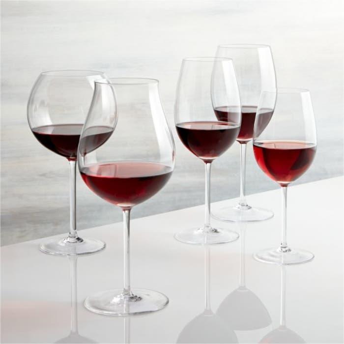 cuatro Copas de vino tinto