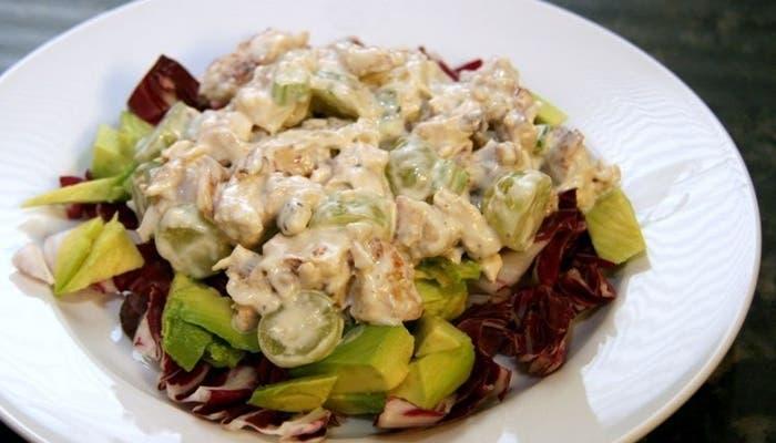receta de ensalada de pollo con nueces y uvas