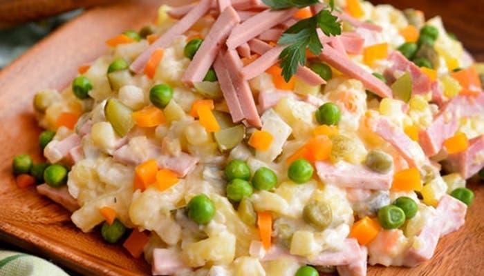 ensaladilla-olivier-plato