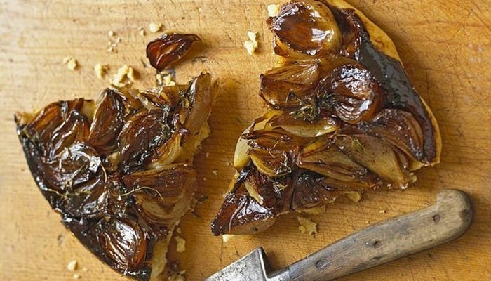 Tarta de cebollas caramelizadas