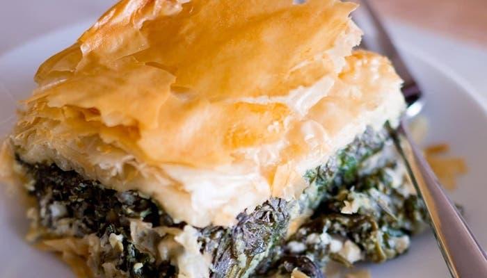 pastel de espinacas griego