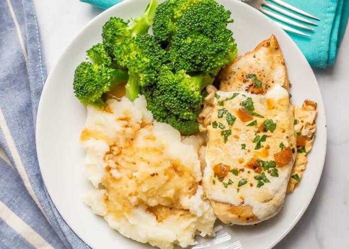 pechuga de pollo al horno con queso mozzarella