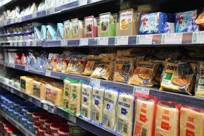 Hay que desinfectar lo que compramos en el supermercado