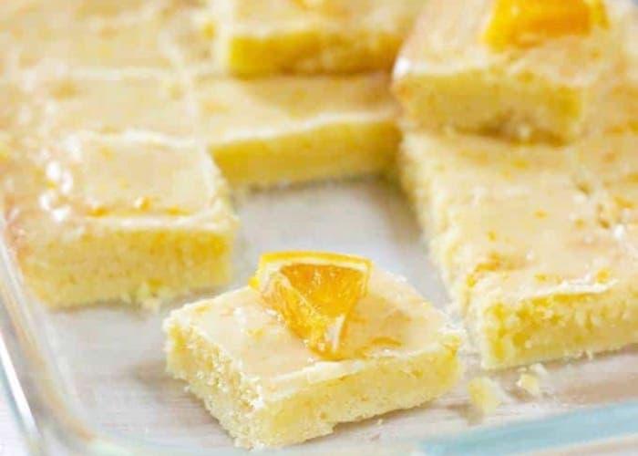 Brownies de naranja glaseados