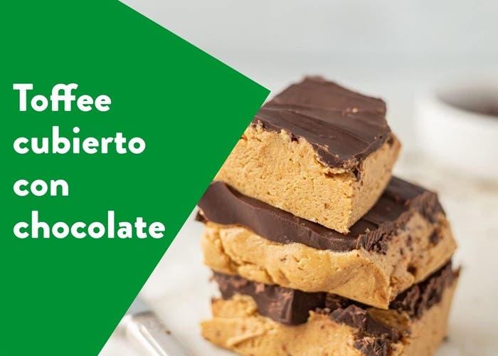 Toffee cubierto con chocolate