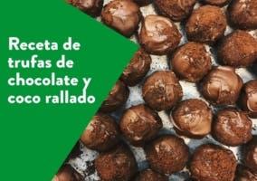 trufas de chocolate y coco rallado