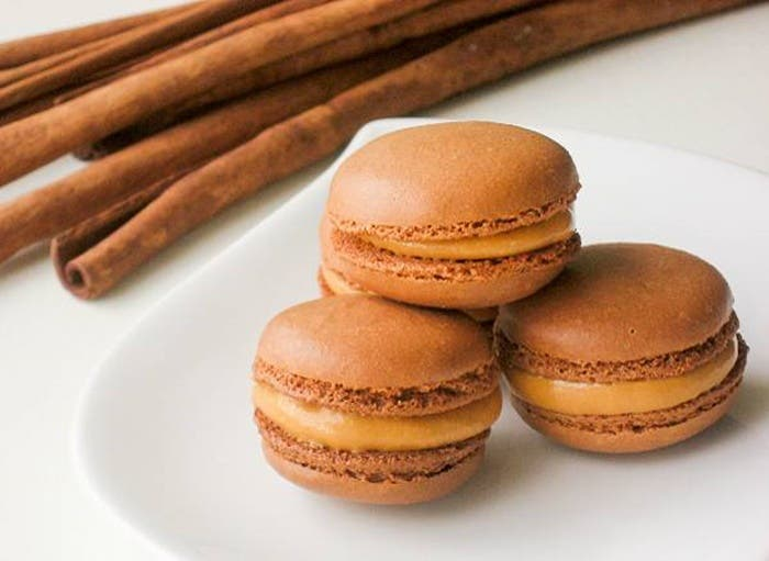 Macarons de chocolate y lúcuma