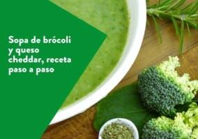 Sopa de brócoli y queso cheddar