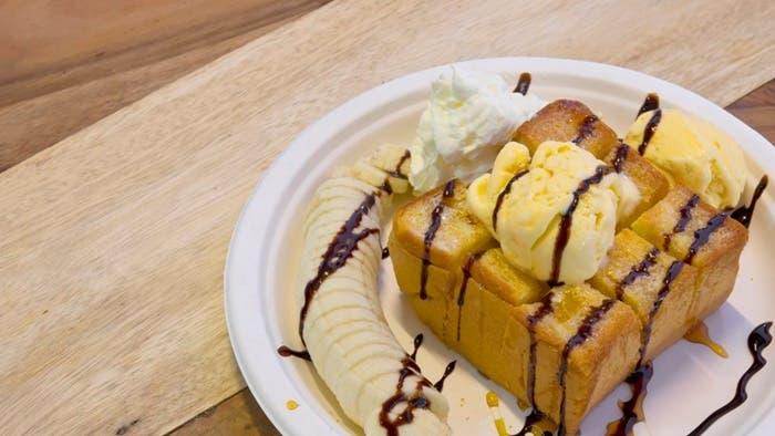 Pudin de pan de plátano